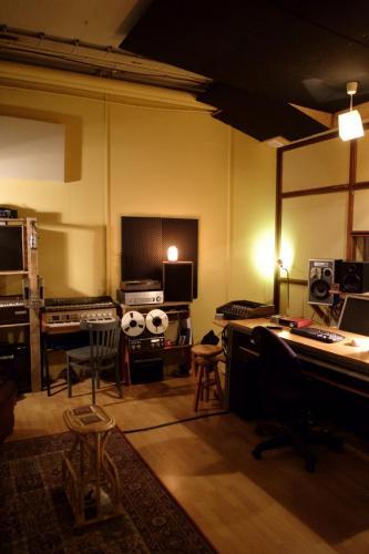 Studio A (2)